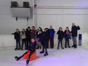 Découverte de Tournai et détente à la patinoire pour les élèves de 4ème année ! (2017)